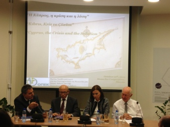 Vassiliou – Talat in a joint public discussion